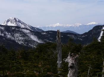 10.5.3_3赤岳と南アルプス814.jpg