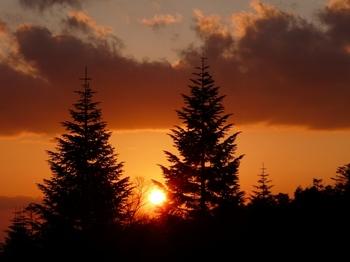 100502北八ヶ岳_6オーレン小屋から観る夕景1824.jpg